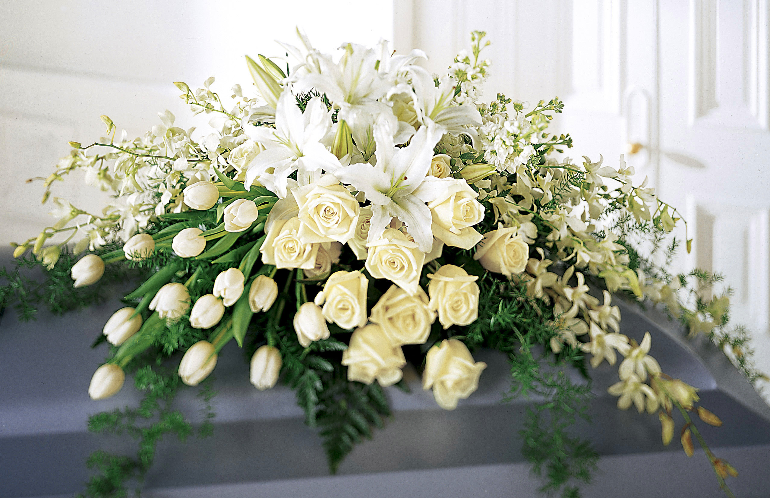 4 Popular Funeral Flower Meanings